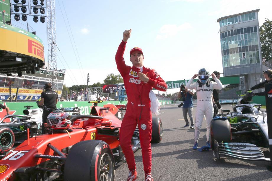 Charles Leclerc a passé la première couche de rouge, hier, sur la piste de Monza. Vivement la suite !