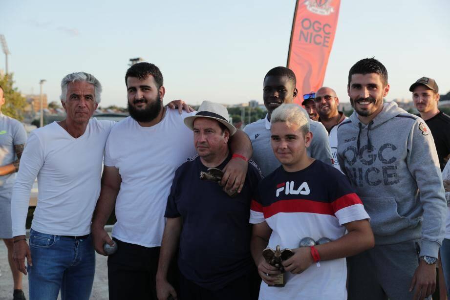 Les vainqueurs du tournoi principal ont ensuite défié la triplette de l'OGC Nice formée du président Jean-Pierre Rivère et des joueurs de l'effectif professionnel Malang Sarr et Pierre Lees-Melou.