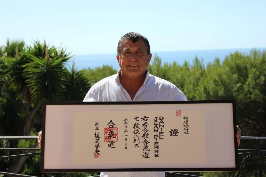 En janvier, Daniel Jean-Pierre est devenu 7e Dan d'aïkido et s'est vu remettre le diplôme à Tokyo.