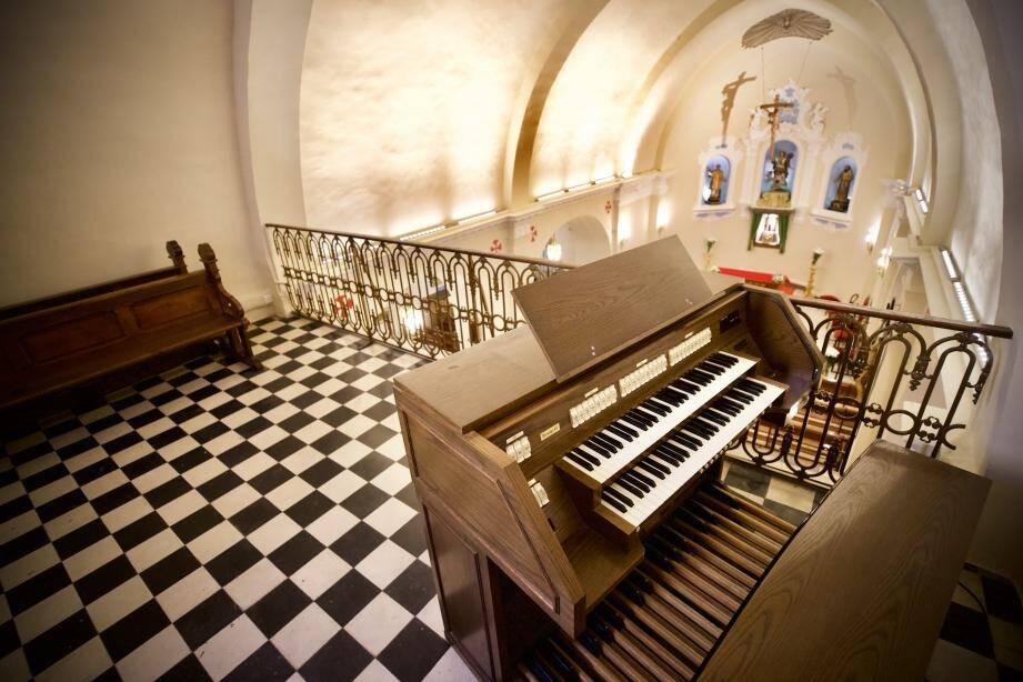 Durant l'été, l'historique église située place Castillon a fait l'objet d'importants travaux de rénovations.