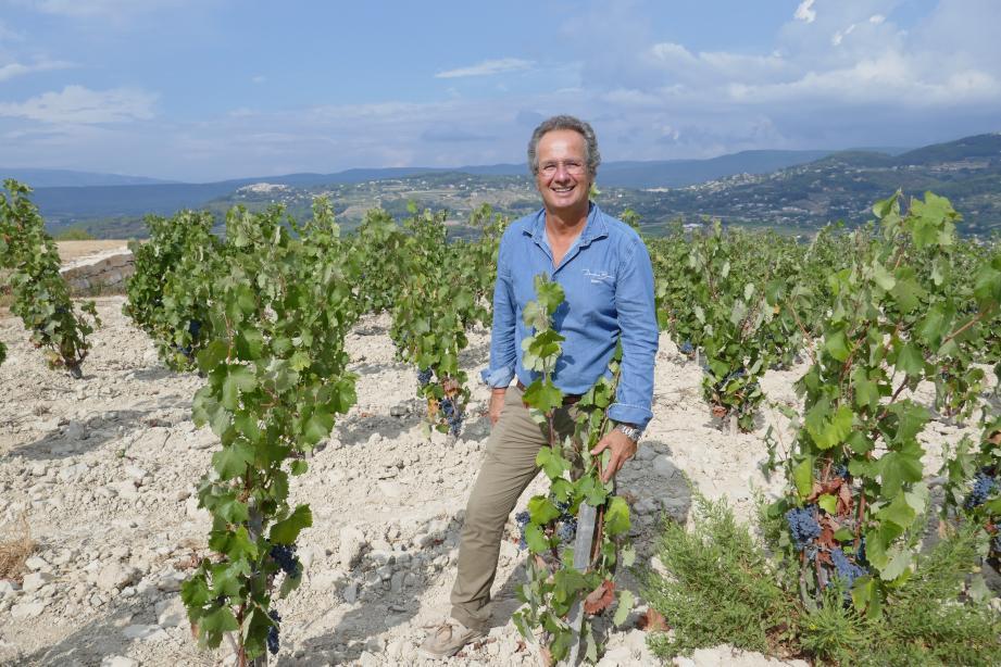 Laurent Bunan : « Les vignes sont de plus en plus enclavées au bord des habitations et les riverains s'inquiètent. Nous travaillons sur une charte de bon voisinage avec les mairies, collectivités, différentes structures et professionnels du monde agricole et viticole. »