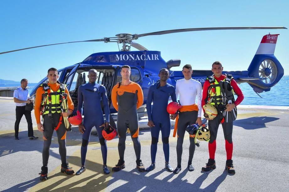 La formation des sapeurs-pompiers maliens s'est achevée hier par un saut en mer depuis un hélicoptère.