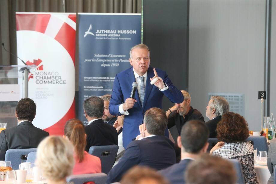 Jean-Pierre Petit, économiste, au milieu des entrepreneurs monégasques du Monaco Economic Board.