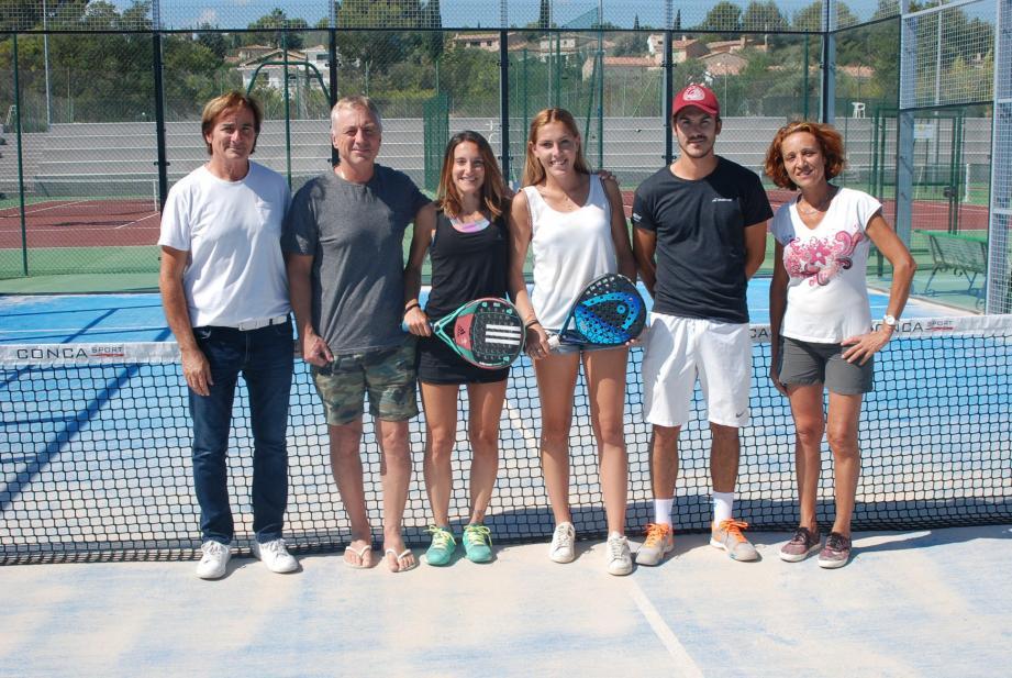 Aline Nadal et Camille Lauriol, entourées des principaux responsables du club, dont le président Gilles Assante (à gauche à côté des joueuses), peuvent se montrer fières de leurs performances.