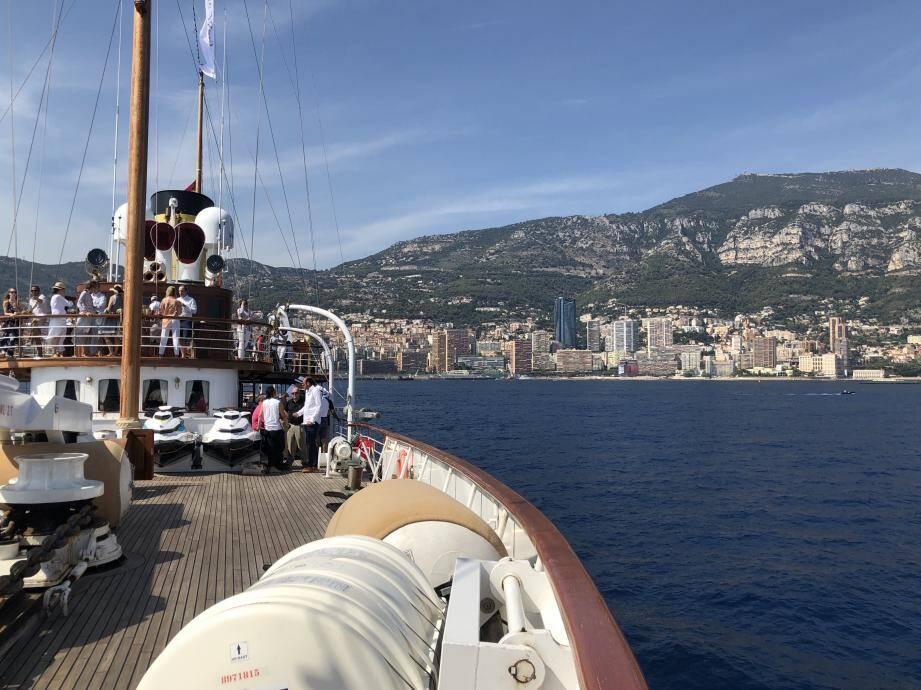 À louer à la journée ou pour naviguer en Méditerranée, le SS Delphine est une machine à remonter le temps.