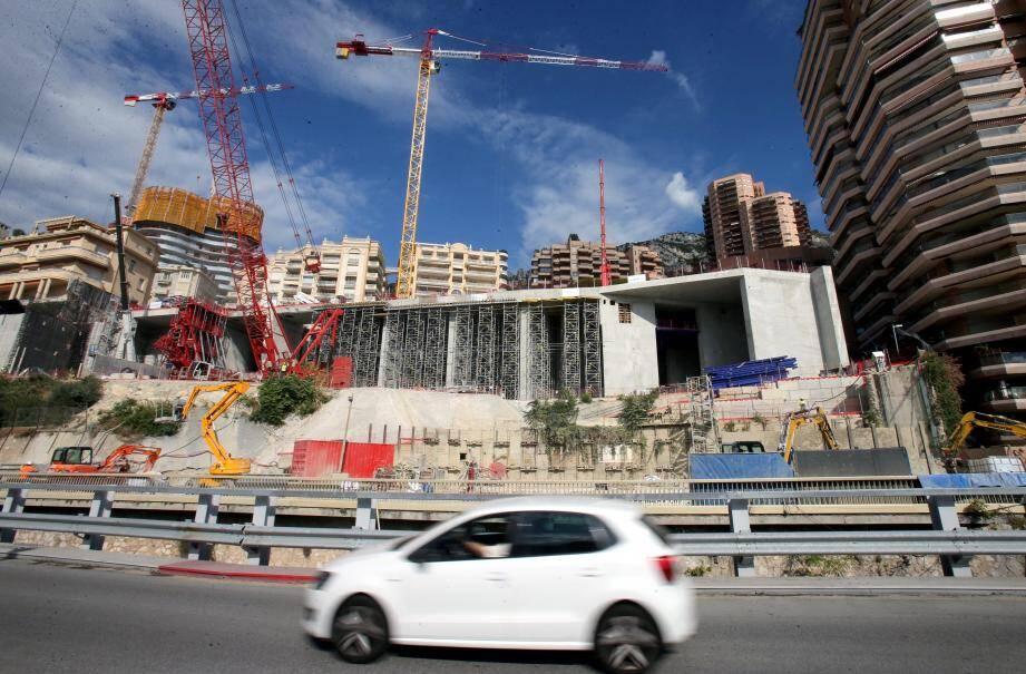 Face au boulevard du Larvotto, le projet Testimonio prend forme pour une livraison estimée en 2022.