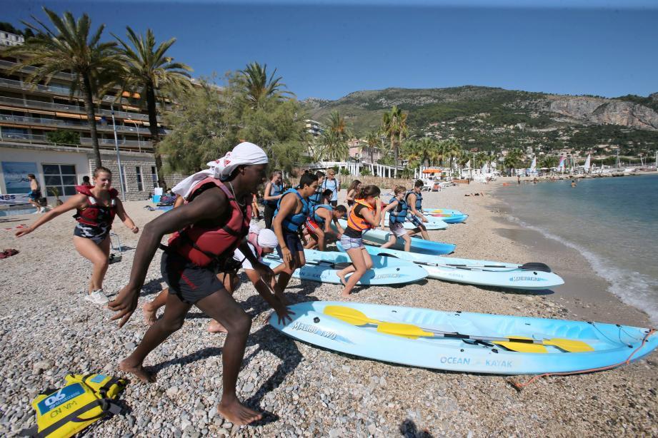 Ce mercredi, 124 lycéens se sont affrontés sur trois épreuves sportives : nage en mer et kayak, parcours de paddle et une épreuve d'aviron sur ergomètre.
