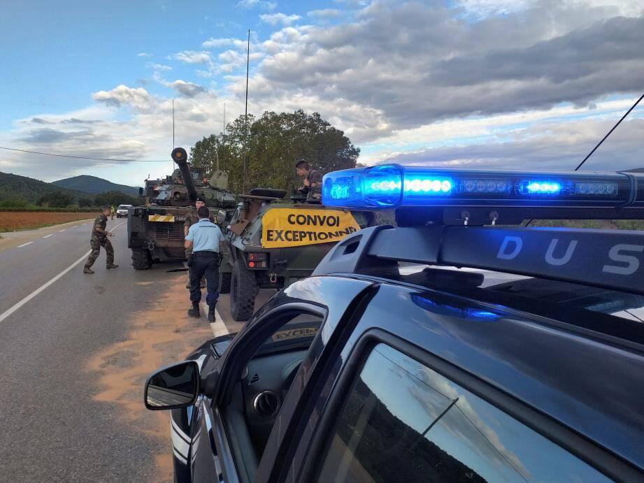 Les gendarmes ont dû faire la circulation en raison d'une panne inhabituelle.