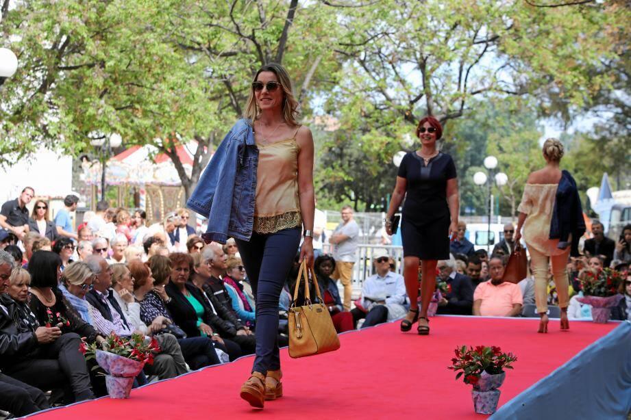Le défilé de mode des commerçants fait partie du paysage Cagnois depuis près de vingt ans. En mai dernier, c'est la collection printemps-été qui était présentée sur le cours du 11-Novembre. Ce sera aussi le cas demain pour la mode automne-hiver.