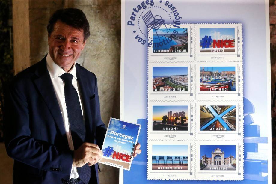 Huit timbres collectors, présentés hier soir par un amoureux inconditionnel de Nice : son maire…