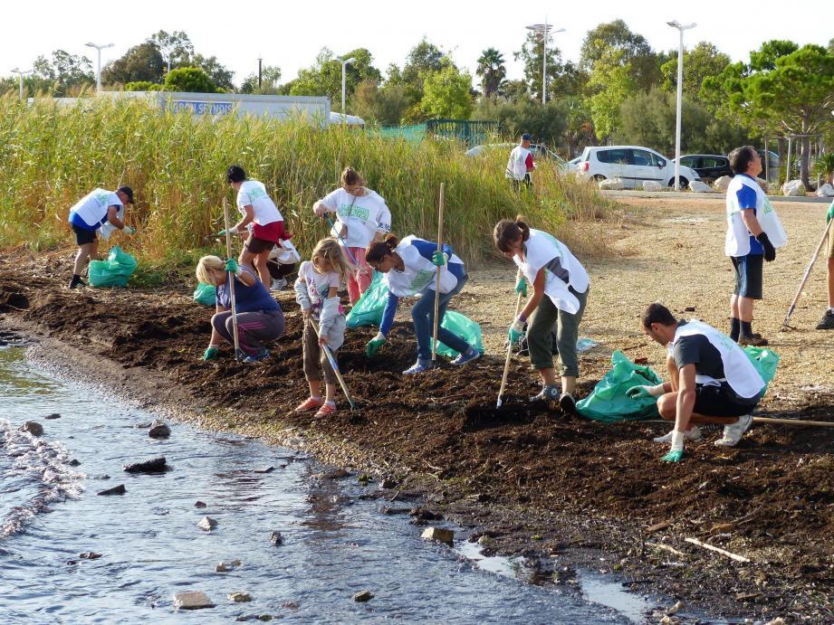 Ce samedi, les bras et bonnes volontés sont les bienvenus pour participer aux opérations de collecte des déchets sur la corniche et à Janas.