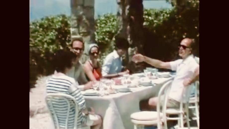 L'ambiance semblait conviviale mais les couteaux étaient bel et bien tirés au repas pris sur la terrasse de Brégançon. (Capture d'écran DR)