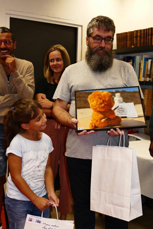 Vincent et Sarah Lebel ont été primés lors du concours photo organisé par la municipalité autour des œuvres de David David.