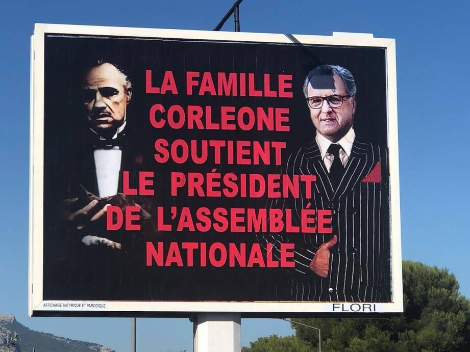 Ce jeudi 12 septembre, la dernière caricature de Michel-Ange Flori affichée sur un panneau publicitaire à Toulon.