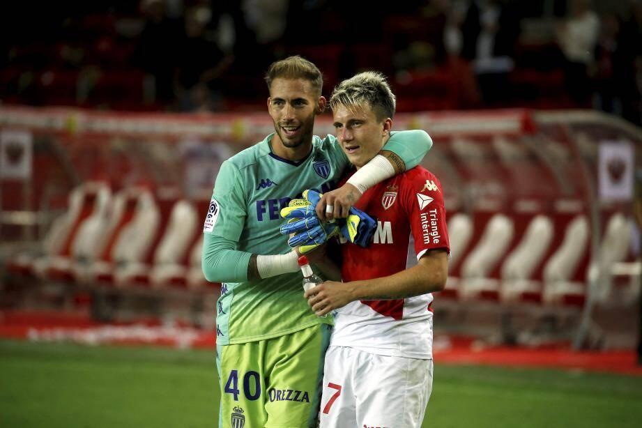 Benjamin Lecomte et Aleksandr Golovin heureux, une image que l'ASM aimerait revoir ce soir contre Brest.