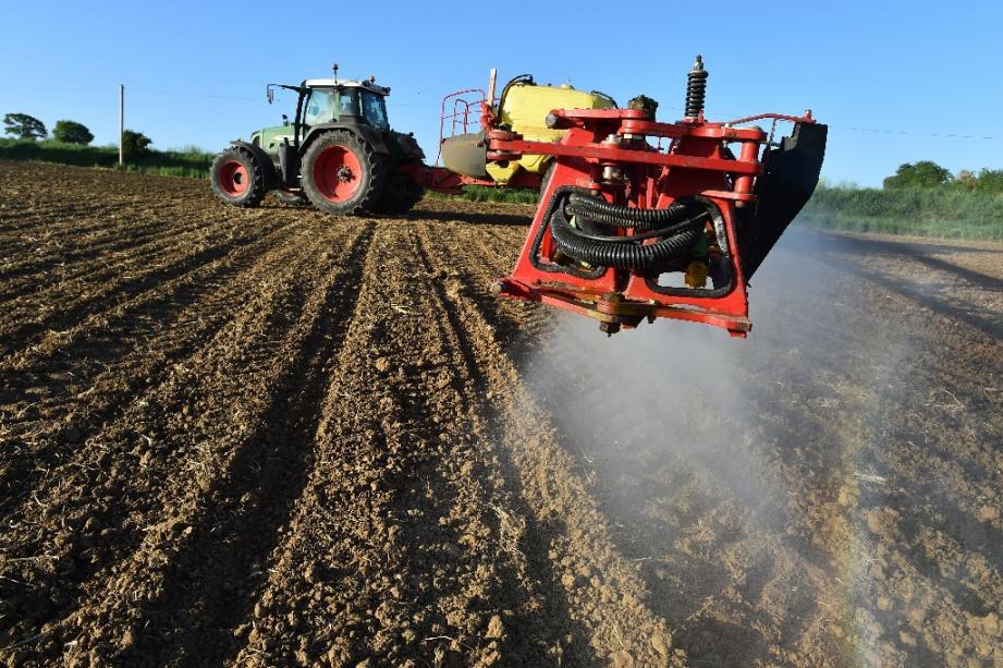 Epandage de pesticides, le 11 mai 2018 dans la Sarthe