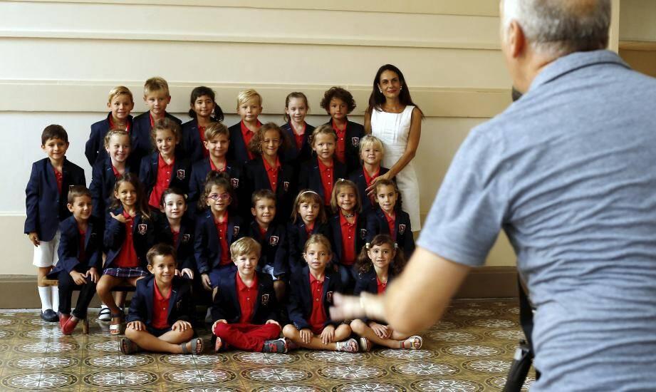 La reprise des cours - comme ici l'an dernier pour les écoliers de FANB sur le Rocher - devrait démarrer par la traditionnelle photo de classe pour les élèves.