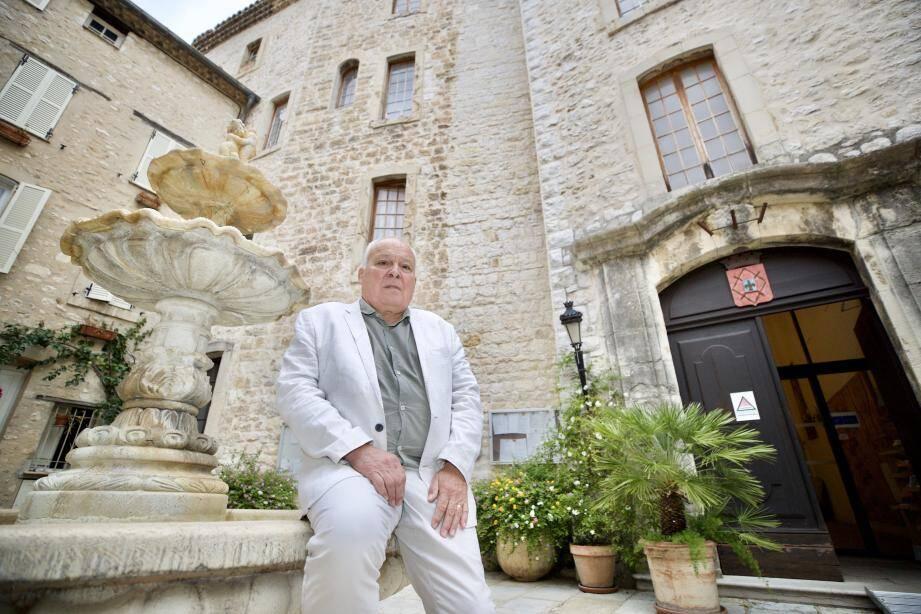 Damien Bagaria, 71 ans, ancien général de l'Armée de terre, est maire de Tourrettes-sur-Loup depuis 2014. Il ne se représentera pas l'an prochain.