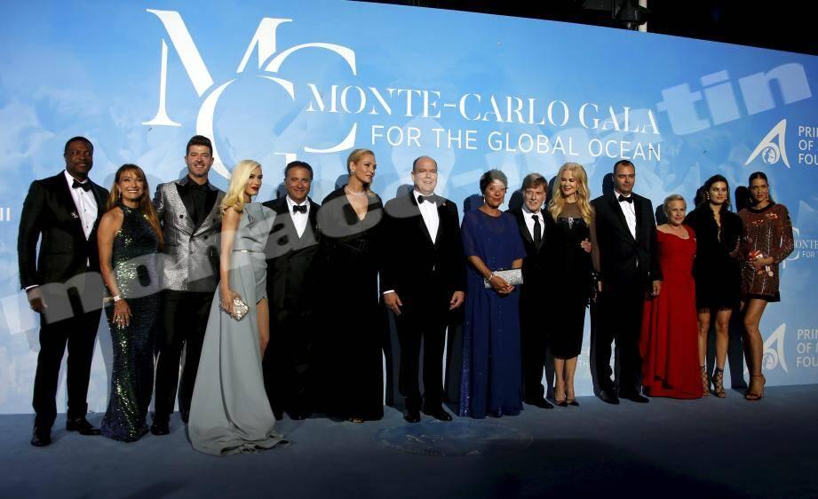Le souverain, entouré de ses prestigieux convives hier soir pour la troisième édition de ce gala caritatif.