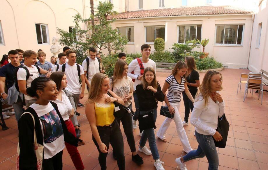 Les lycéens ont fait leur rentrée dans un établissement préparé à la réforme du bac.