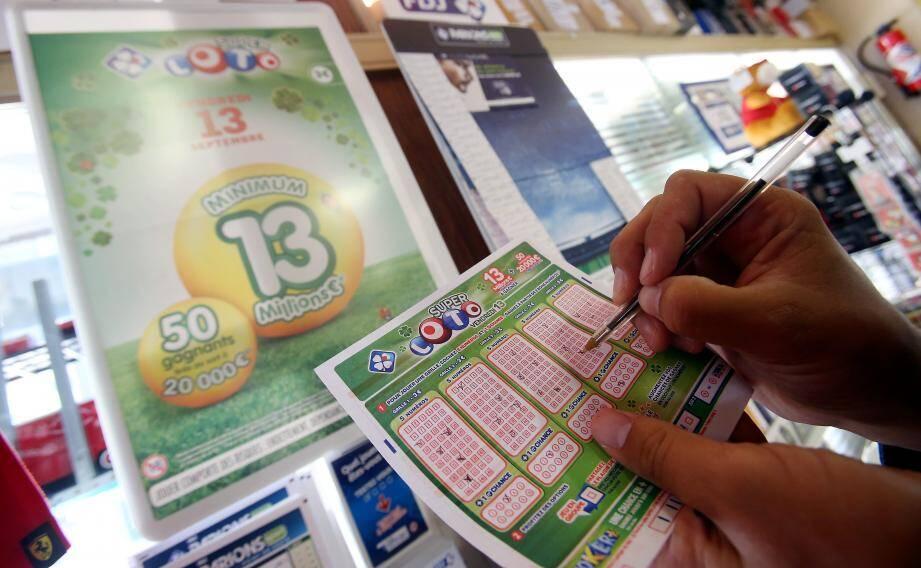 Ce vendredi 13, les buralistes de Monaco devraient vendre deux fois plus de jeux de hasard.