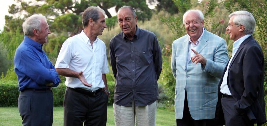 Une partie du clan Chirac réuni le 12 août 2009 à Saint-Tropez. De gauche à droite, François Pinault, Hubert Falco, Jean-Claude Gaudin et Mgr Jean-Michel di Falco.