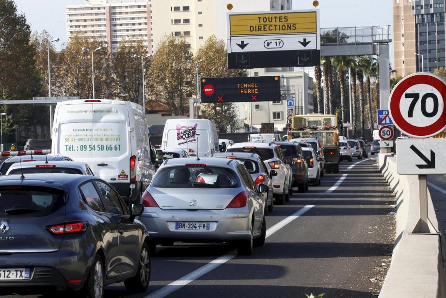 Un embouteillage aux abords du tunnel de Toulon. Illustration.