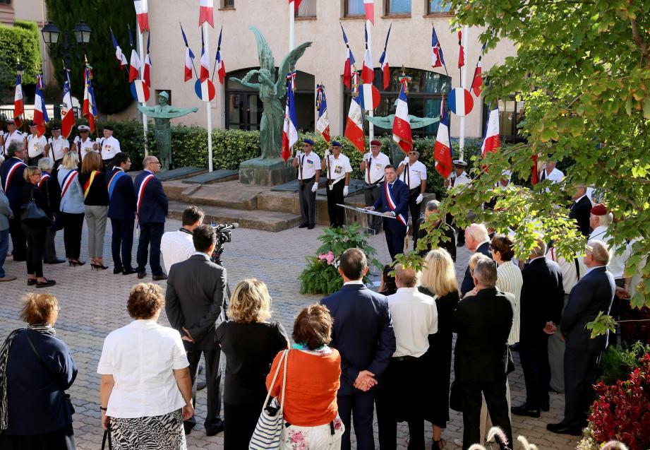 Le maire Frédéric Masquelier a rendu un hommage appuyé à Jacques Chirac.