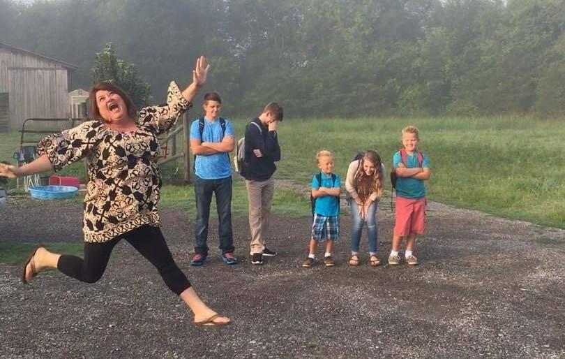 La rentrée des classes pour la plus grande joie des parents.