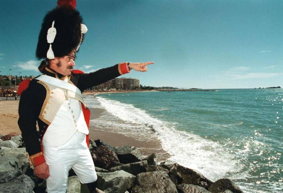 Un grognard à Saint-Raphaël, lors de la reconstitution de 1999 pour le bicentennaire de son débarquement.