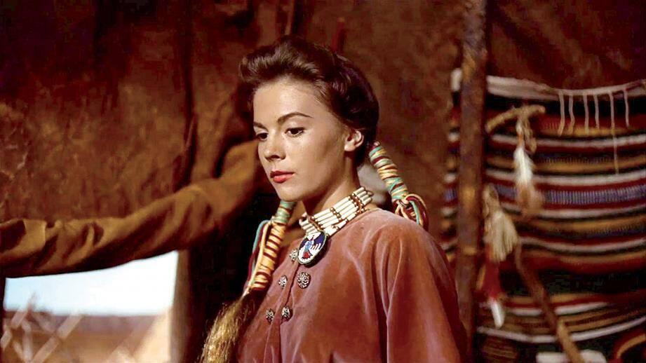 Natalie Wood, la prisonnière du désert de John Ford et la jeune Audrey Hepburn dans Nous irons à Monte-Carlo.(DR)