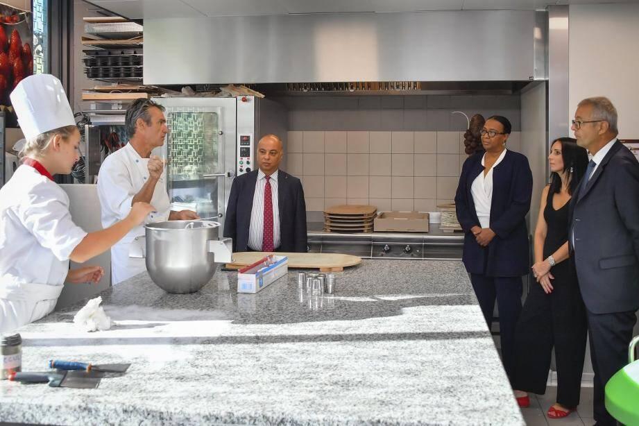 Les représentants maliens ont pu découvrir le large panel de formations dispensées au LTH de Monaco.