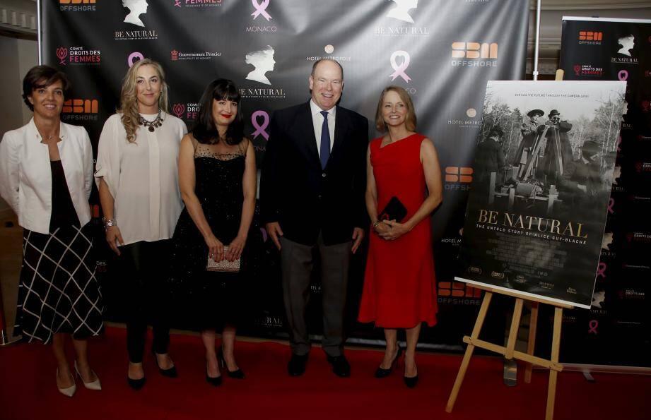 Autour du Prince hier soir, l'équipe du film et celle de Pink Ribbon ont uni leurs forces.