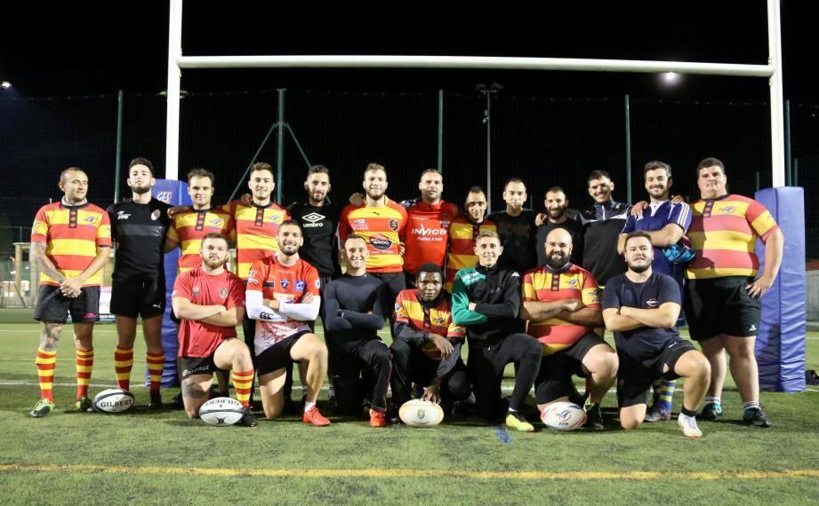 Rapidement adopté par les joueurs du Rugby Saint-Maximinois XV, Destiny Onuoha est devenu une des mascottes de l'équipe.