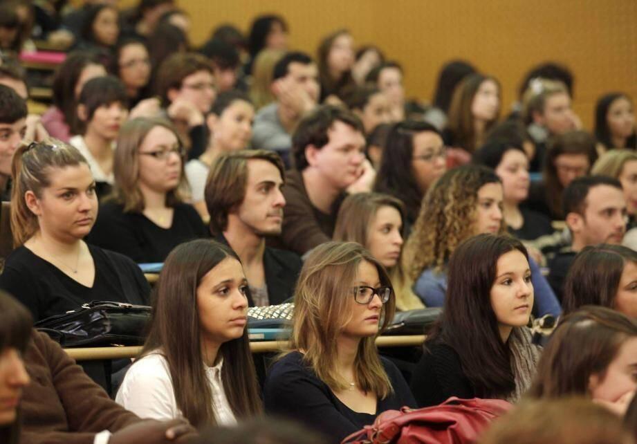 A Cannes, ils sont environ 2.500  étudiants, soit presque 5% de la population totale.