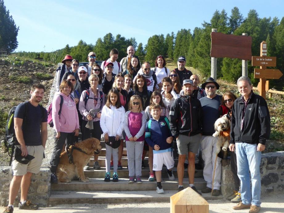 Les participants au col de la Couillole.(DR)