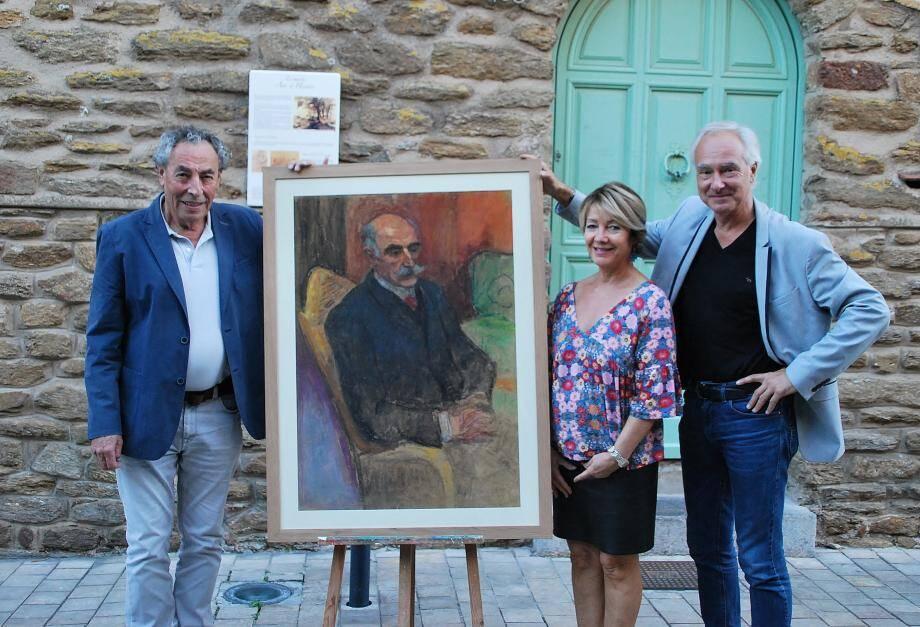 Raphaël Dupouy et Michel Guillemain respectivement président et vice-président du Réseau Lalan ont remis à Cathy Casellato adjointe à la culture, le tableau « portrait du docteur Bérengiuer » œuvre de l'artiste Jean Peské qui viendra étayer la collection permanente du musée.