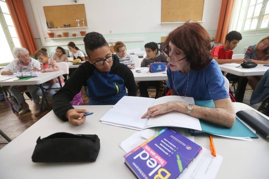 Chaque bénévole s'occupe d'un seul enfant pendant une heure. Un soutien plus efficace, qui contribue aussi à établir des liens de confiance.