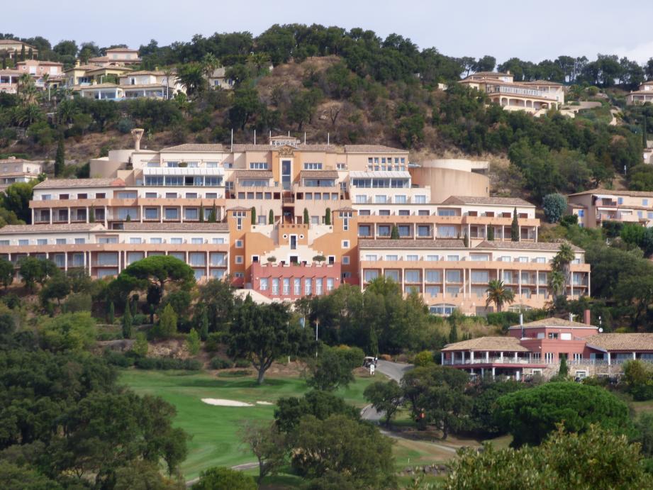 Naguère fleuron de l'hôtellerie maximoise, quel avenir attend le Golf Plaza Amarante?