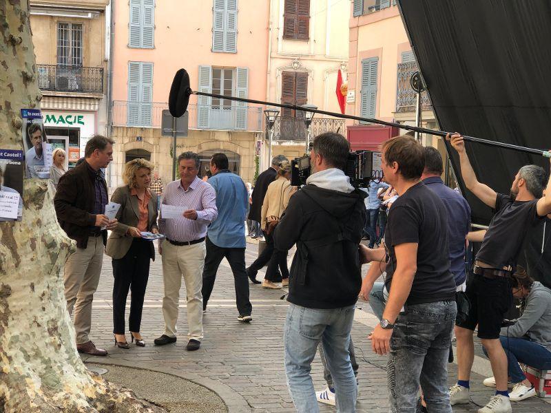 Daniel Auteuil en plein tournage du film Le mensonge à Vallauris.