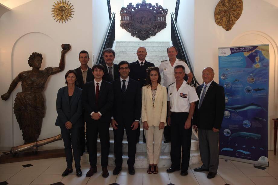 Les différents acteurs de l'Accord de Pelagos se sont réunis hier après-midi, à l'appel du Préfet maritime, le vice-amiral d'escadre Laurent Isnard.