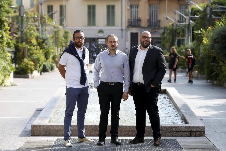 De gauche à droite : Damien Savastano, responsable Rassemblement national à Menton, Lionel Tivoli, délégué départemental du RN 06, et Philippe Vardon, vice-président du groupe RN et candidat à la mairie de Nice.