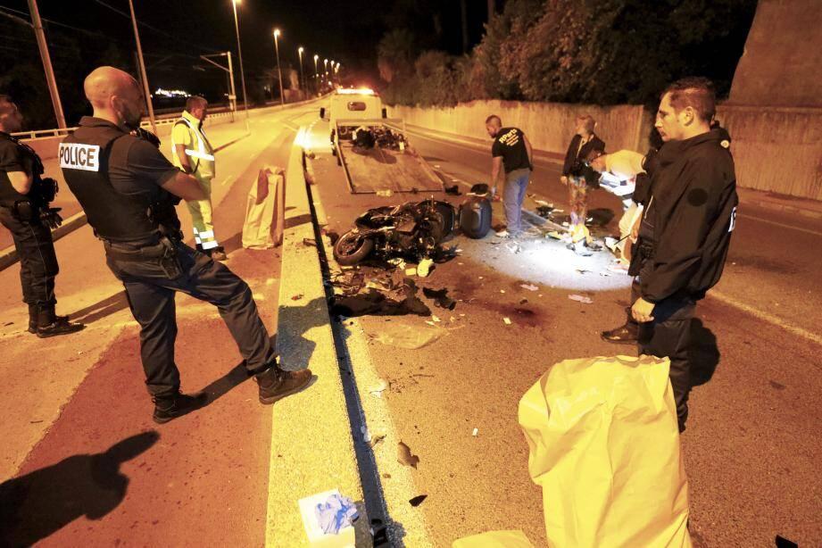 Jeudi soir, deux pilotes de deux roues sont morts après un choc frontal à Golfe-Juan, dans les Alpes-Maritimes.