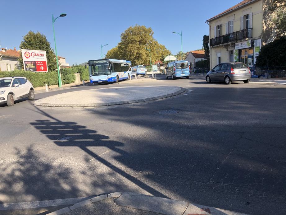 A l'entrée est du centre-ville, le rond-point Berlioz attaque une phase de transformation prévue pour durer jusqu'à la fin de l'hiver.