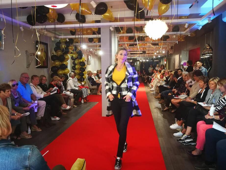 Défilé de mode au Grand Litier, avenue Jean-Jacques Perron.
