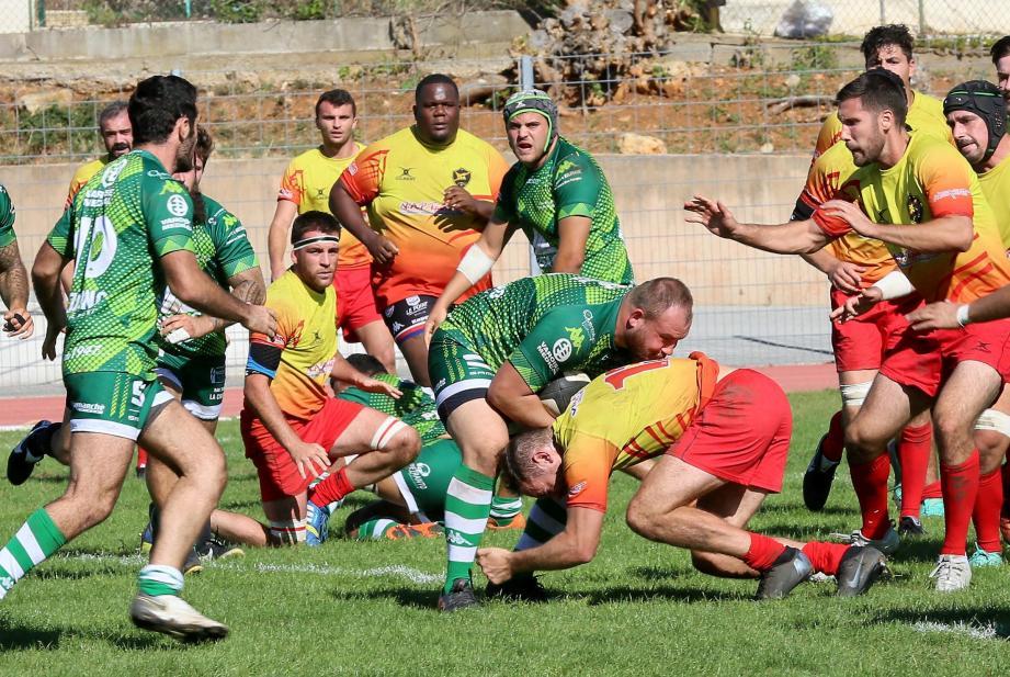 Dimanche, les rugbymen dracénois ont été incapables de dicter leur rugby face à une belle équipe d'Uzès.Une première défaite sans conséquence mais qui fait tâche face au dernier de la classe.