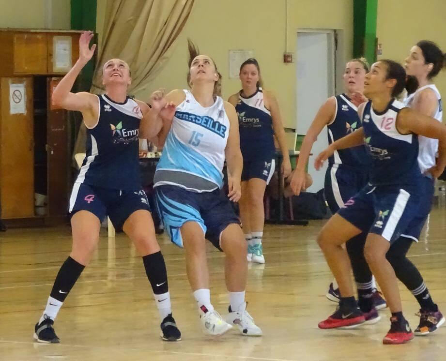 Les joueuses du Littoral Var Basket ont patiemment construit leur victoire sur l'USPEG et pris le large en fin de match.