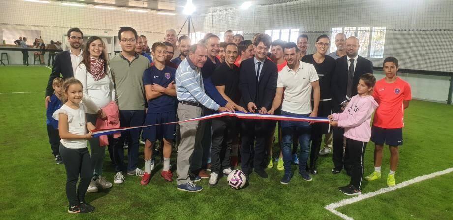 Les deux terrains intérieurs ont été inaugurés. Pour l'occasion, les U17 du RC Grasse ont fait montre de leurs talents sous les yeux des partenaires et des élus.
