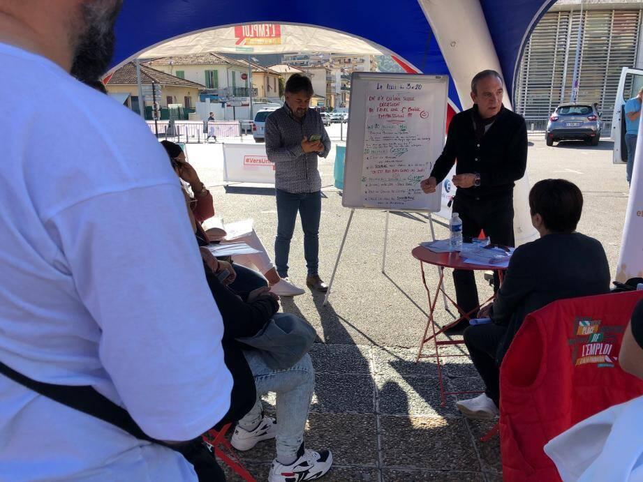 Cette manifestation hors les murs a permis à un large public de sortir d'un cadre strict pour postuler, se former et s'informer.