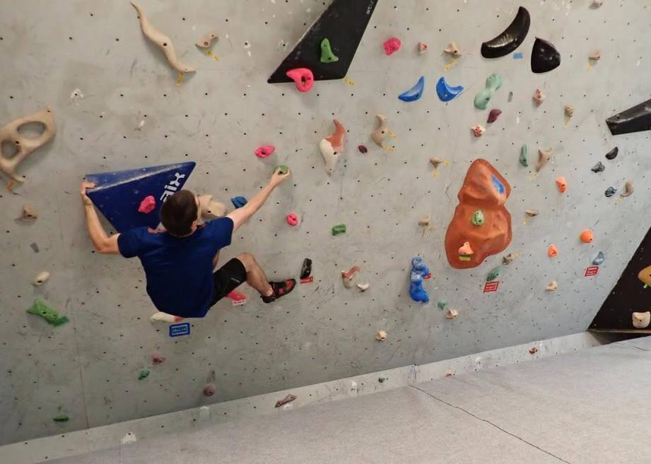 La salle d'escalade a fait l'objet d'importants travaux de rénovation pour la plus grande joie des amateurs.